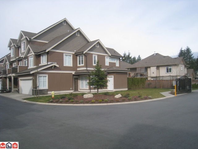 Main Photo: 1 32792 Lightbody Court in Mission: Townhouse for sale : MLS® # F1006898