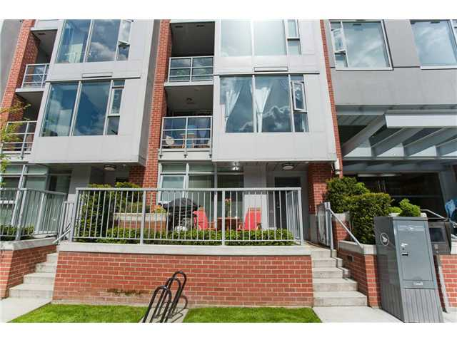 Main Photo: 1135 HOMER ST in Vancouver: Yaletown Townhouse for sale (Vancouver West)  : MLS®# V889176
