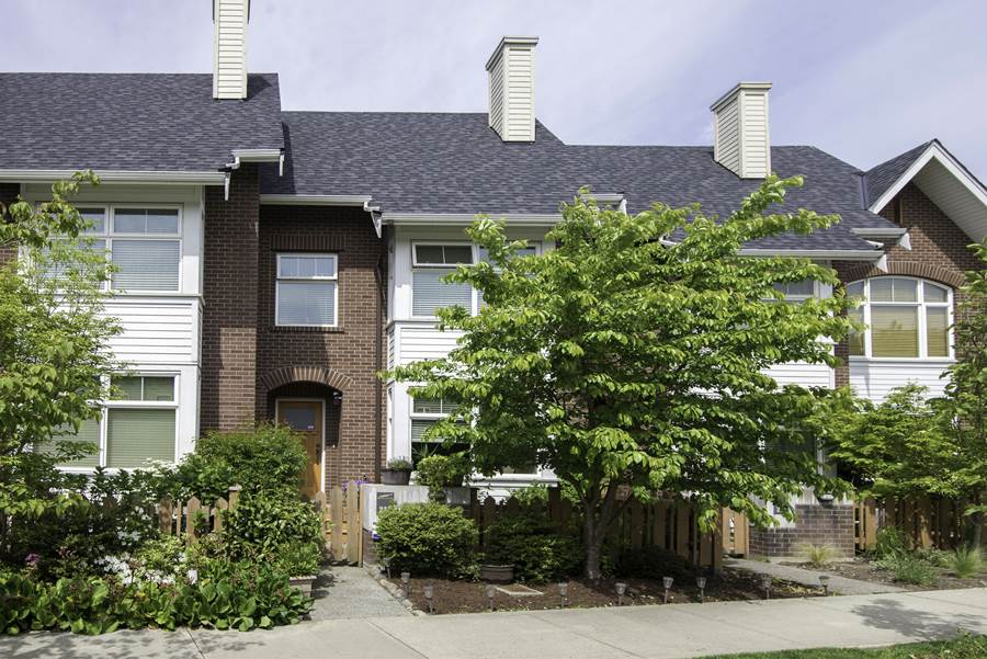 "Main Photo: 223 SALTER Street in New Westminster: Queensborough Condo for sale in ""Marmalade Sky"" : MLS®# R2061985"
