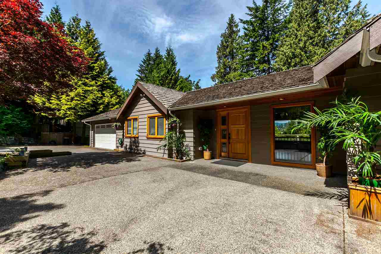 "Main Photo: 5535 GREENLEAF Road in West Vancouver: Eagle Harbour House for sale in ""EAGLE HARBOUR"" : MLS(r) # R2172534"