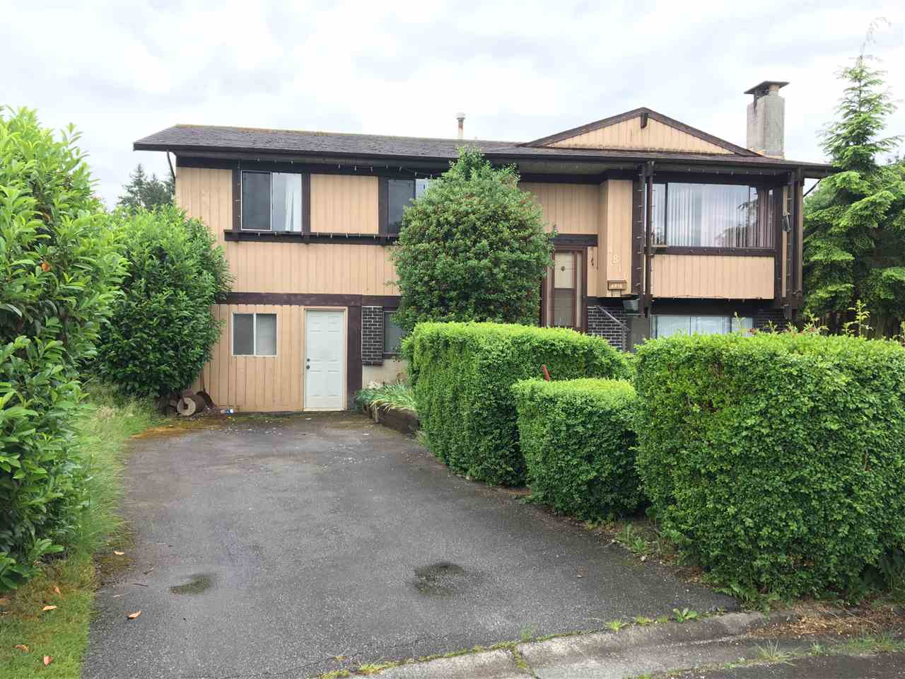 Main Photo: 4816 207A Street in Langley: Langley City House for sale : MLS® # R2178519