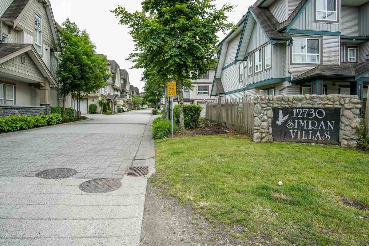 Main Photo: 15 12730 66 Avenue in Surrey: West Newton Townhouse for sale : MLS(r) # R2180564