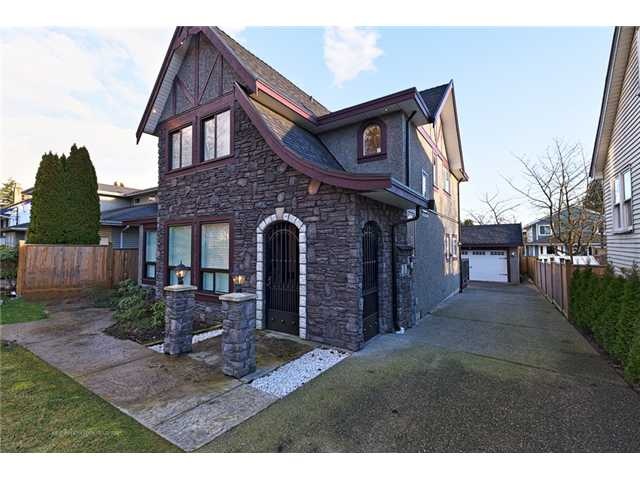 FEATURED LISTING: 2126 LONDON Street New Westminster