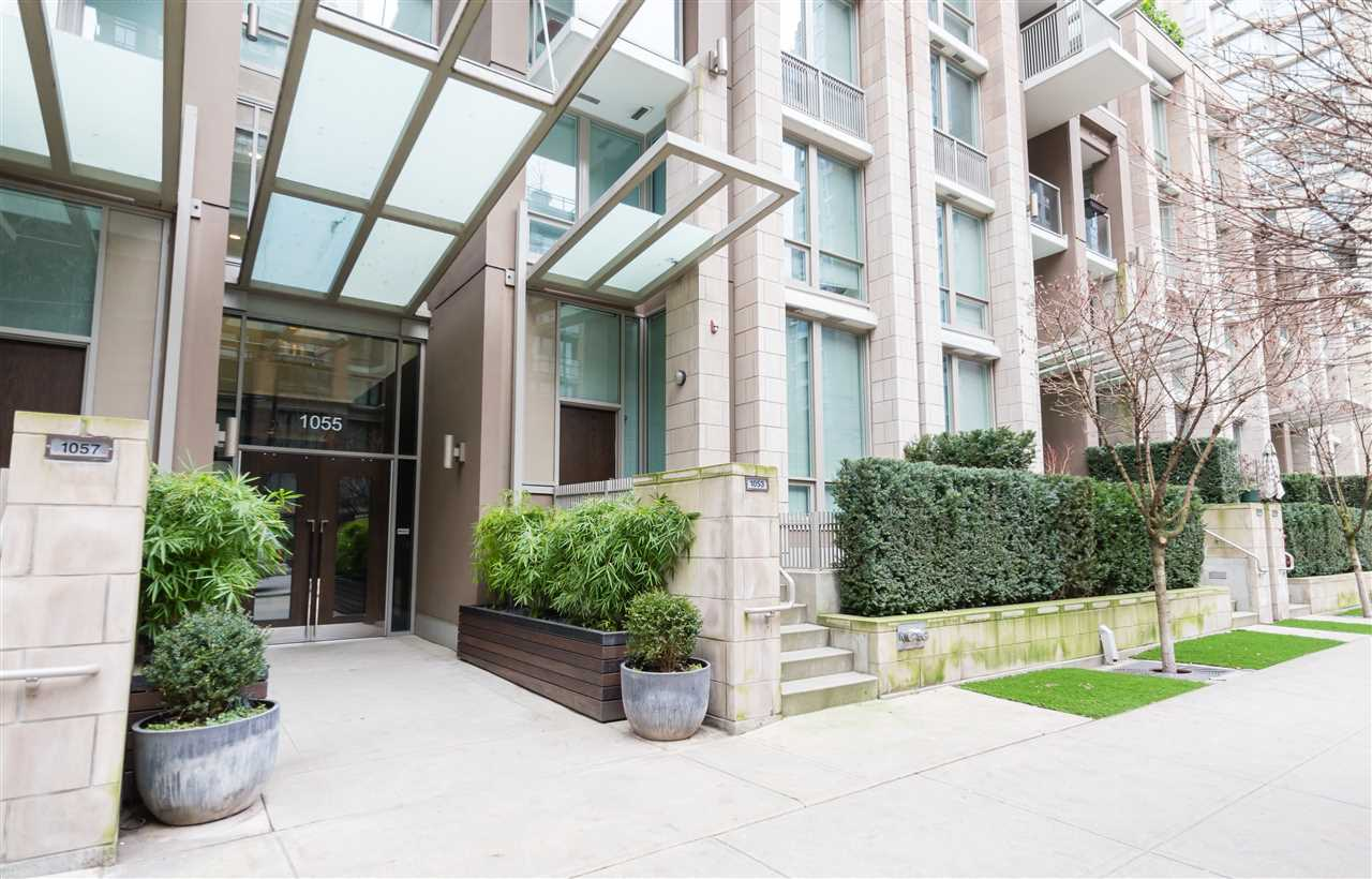 FEATURED LISTING: 1502 - 1055 RICHARDS Street Vancouver