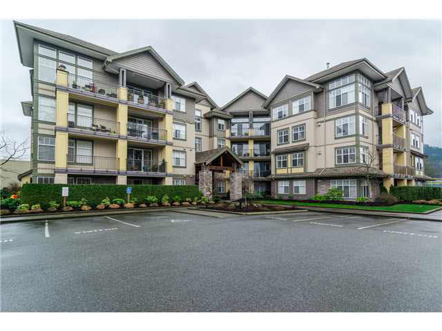 "Main Photo: 306B 45595 TAMIHI Way in Sardis: Vedder S Watson-Promontory Condo for sale in ""THE HARTFORD"" : MLS® # H2153401"