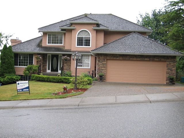 FEATURED LISTING: 35870 GRAYSTONE Drive Abbotsford