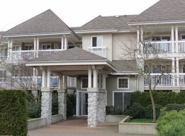 Main Photo: 320 22022 49TH Ave in Langley: Home for sale : MLS®# F1303075
