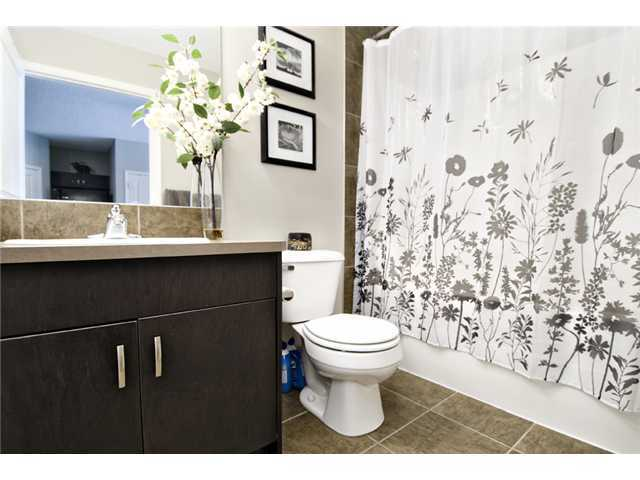 Photo 9: 30 AUBURN BAY Common SE in Calgary: Auburn Bay Townhouse for sale : MLS® # C3634966