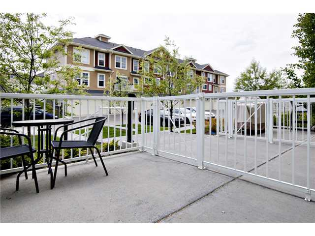 Photo 12: 30 AUBURN BAY Common SE in Calgary: Auburn Bay Townhouse for sale : MLS® # C3634966