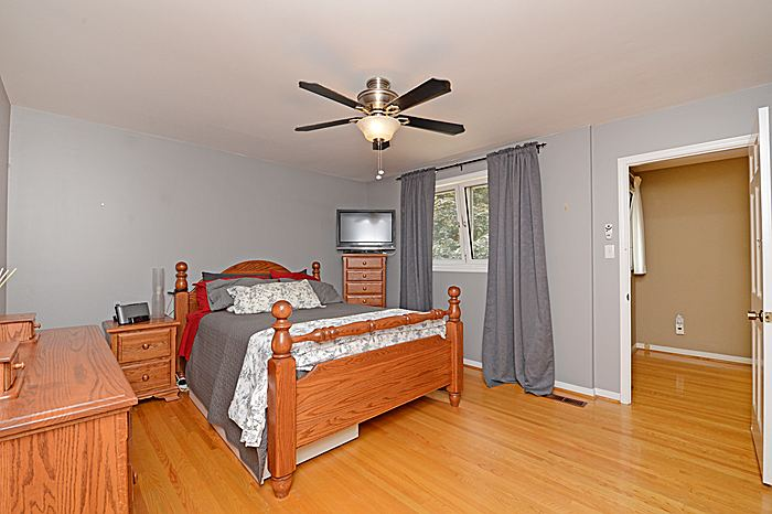 Photo 12: 1486 Durham Street in Oakville: Eastlake House (2-Storey) for sale : MLS® # W2949173