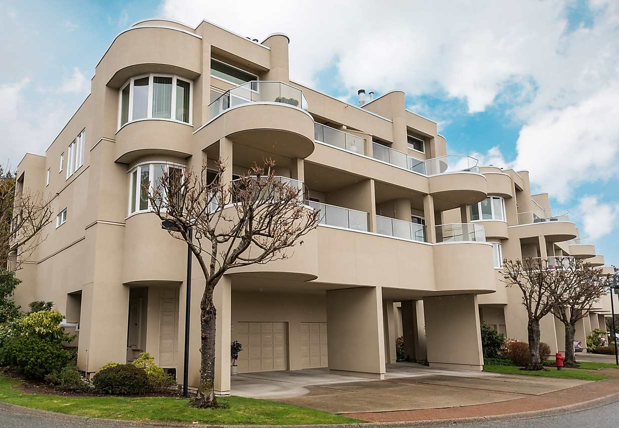 "Main Photo: 2375 FOLKESTONE Way in West Vancouver: Panorama Village Townhouse for sale in ""Westpointe"" : MLS(r) # R2147678"
