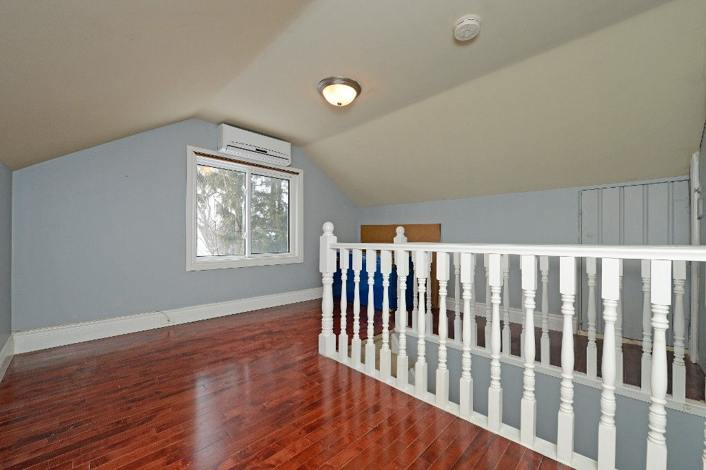 Photo 16: 726 Mohawk Road in Hamilton: Ancaster House (1 1/2 Storey) for sale : MLS® # X3112460