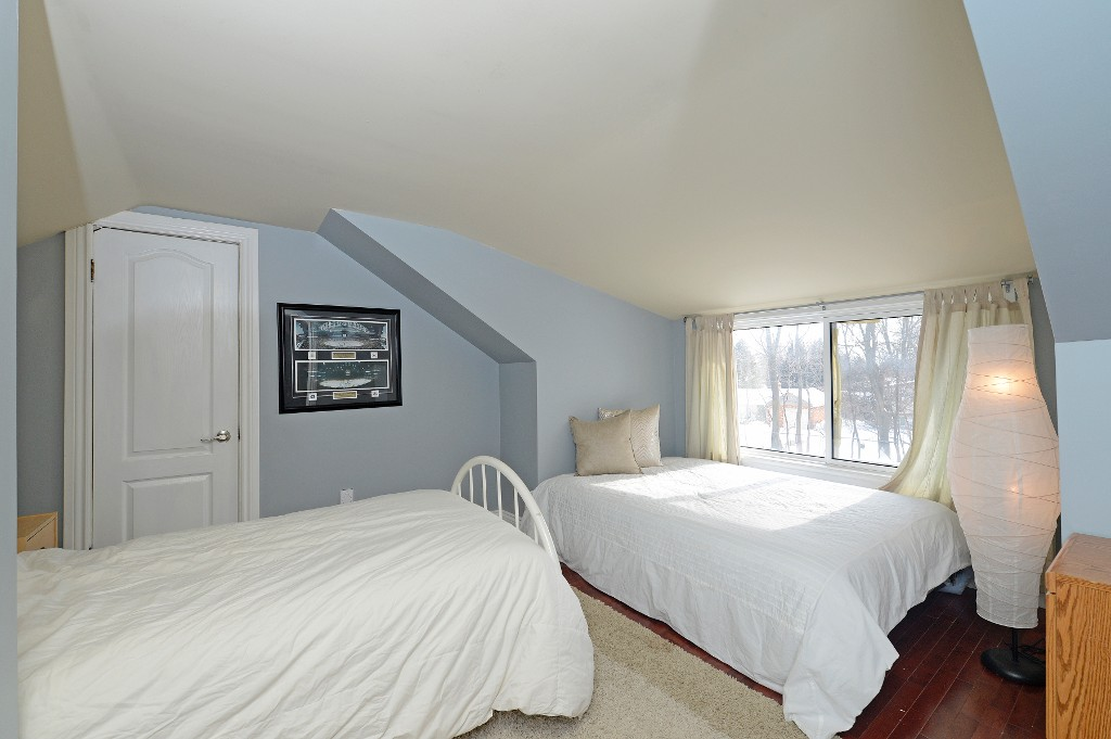 Photo 17: 726 Mohawk Road in Hamilton: Ancaster House (1 1/2 Storey) for sale : MLS® # X3112460
