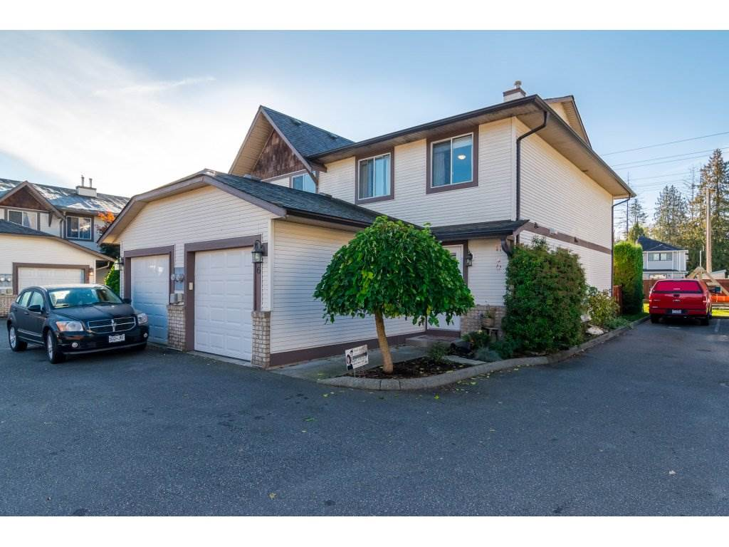 "Main Photo: 6 9539 208 Street in Langley: Walnut Grove Townhouse for sale in ""COUNTRY BROOK ESTATES"" : MLS®# R2115212"