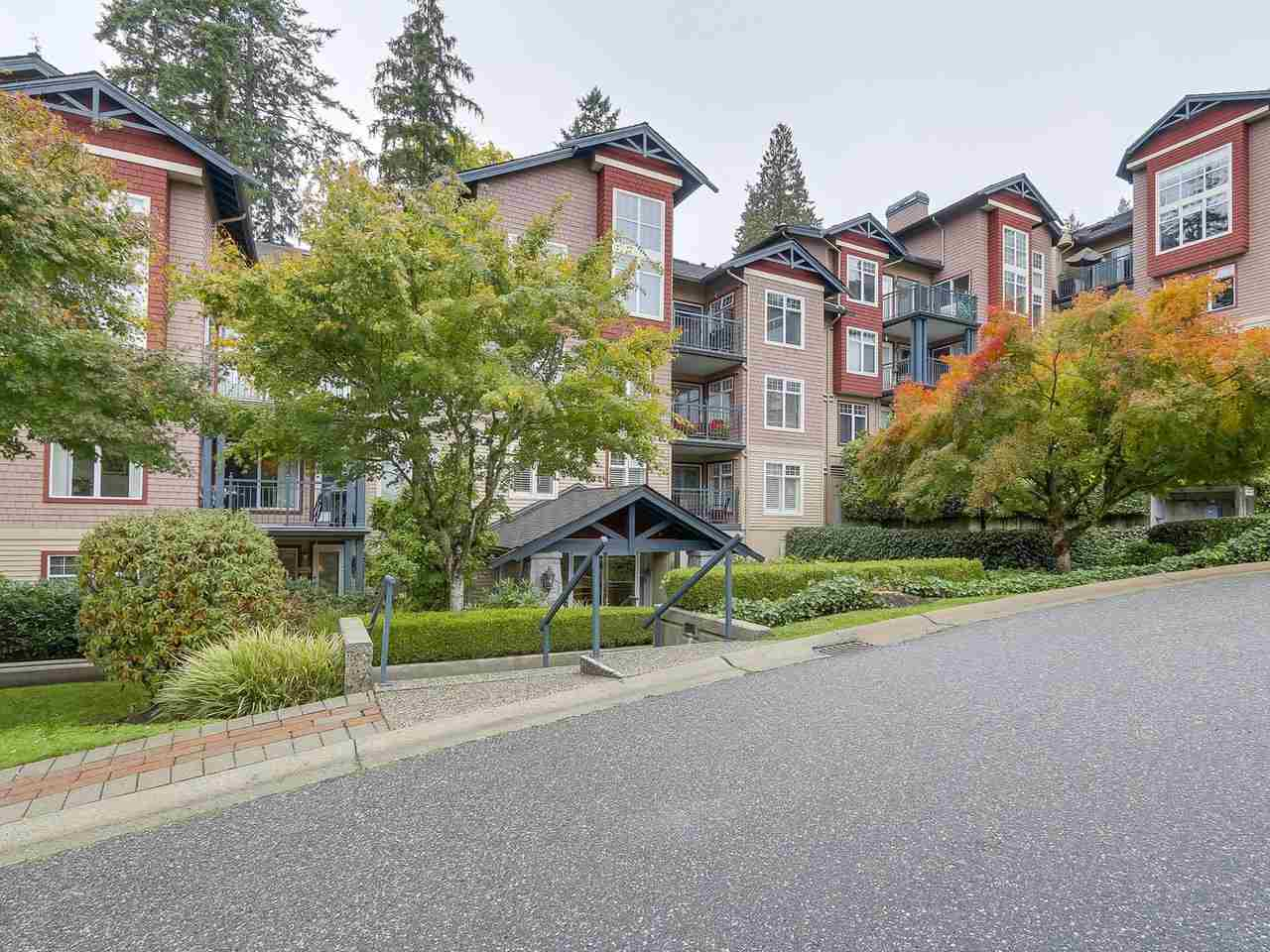 "Main Photo: 206 1144 STRATHAVEN Drive in North Vancouver: Northlands Condo for sale in ""Strathaven"" : MLS®# R2217915"