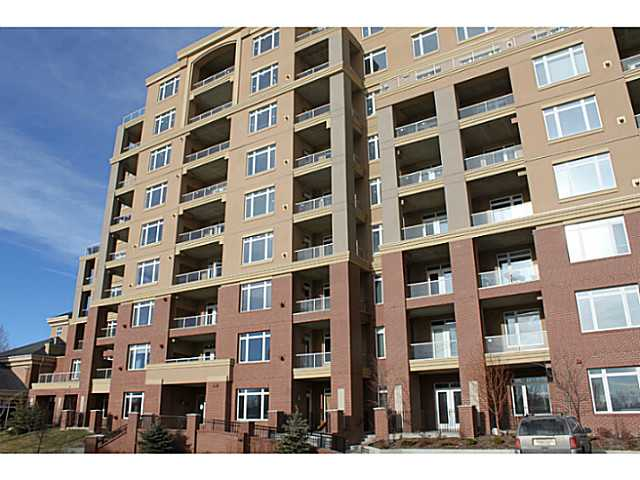 FEATURED LISTING: 3205 - 24 HEMLOCK Crescent Southwest CALGARY