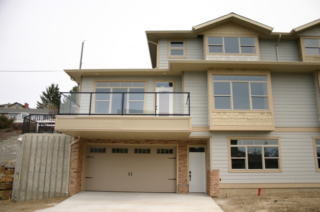 Main Photo: 34 4340 Northeast 14 Street in Salmon Arm: Raven House for sale : MLS® # 10079876