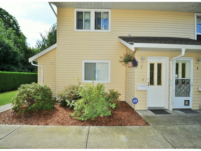 "Main Photo: 7 32286 7TH Avenue in Mission: Mission BC Townhouse for sale in ""LUTHER PLACE"" : MLS® # F1420341"