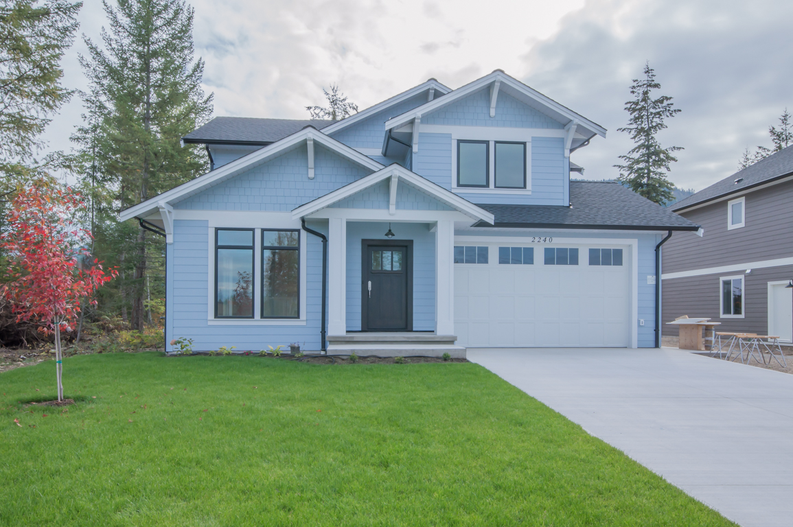 FEATURED LISTING: 2240 15 Avenue Southeast Salmon Arm