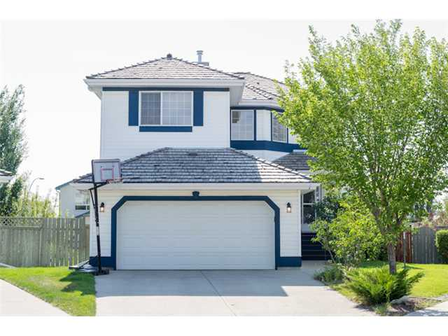 FEATURED LISTING: 351 DOUGLAS GLEN Close Southeast CALGARY