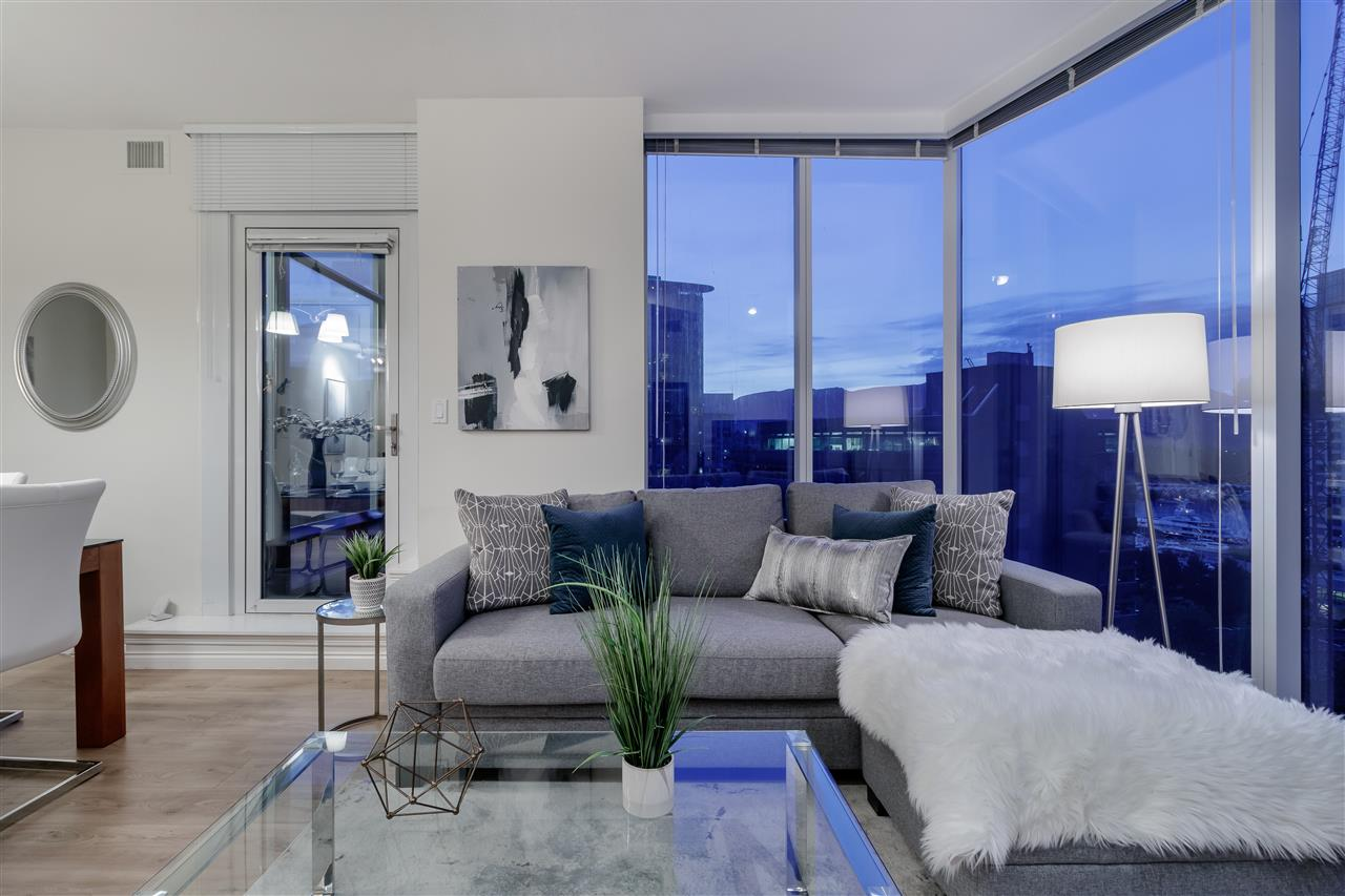 FEATURED LISTING: 1005 - 1211 MELVILLE Street Vancouver