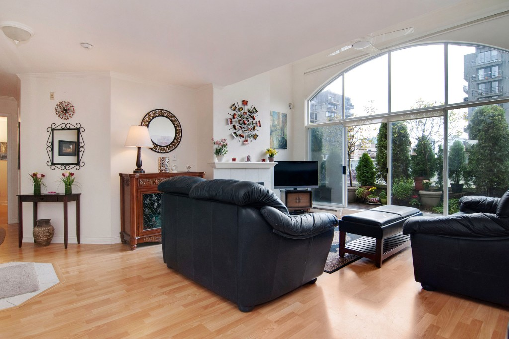 Photo 5: PH2 950 BIDWELL Street in Vancouver: West End VW Condo for sale (Vancouver West)  : MLS® # V1080593