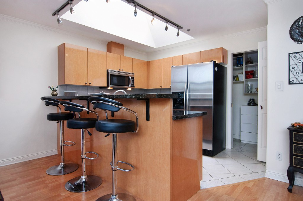 Photo 2: PH2 950 BIDWELL Street in Vancouver: West End VW Condo for sale (Vancouver West)  : MLS® # V1080593