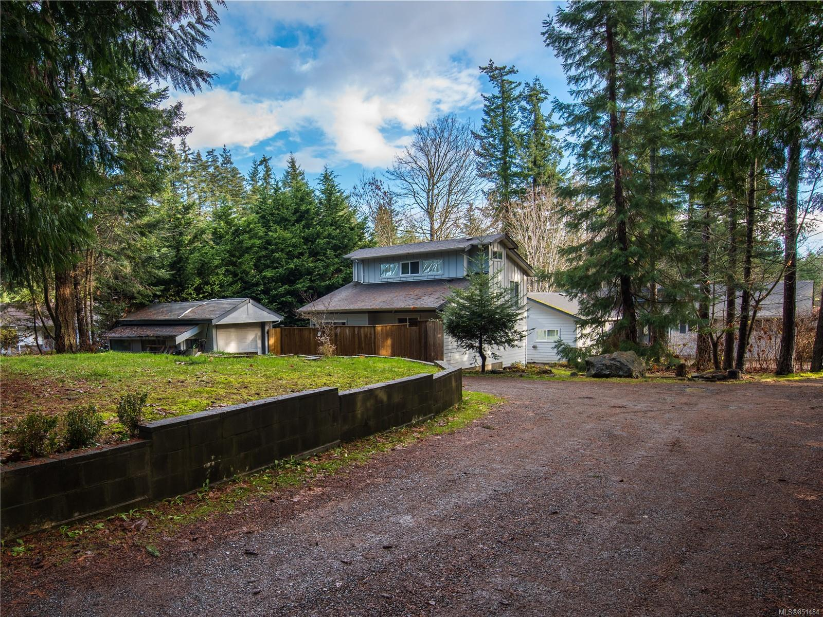FEATURED LISTING: 1490 Hudson Rd