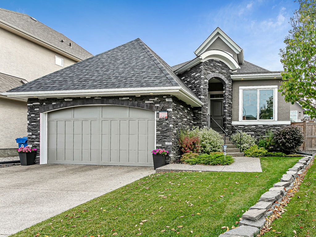 FEATURED LISTING: 39 Cranarch Point Southeast Calgary