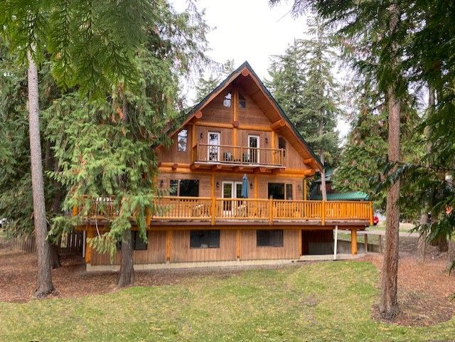 FEATURED LISTING: 1039 Scotch Creek Wharf Road Scotch Creek