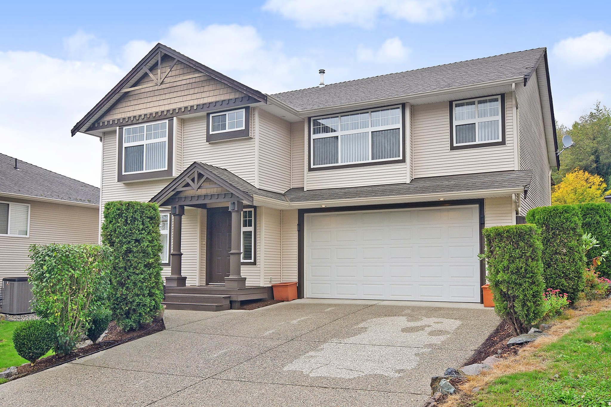 FEATURED LISTING: 35579 TWEEDSMUIR Drive Abbotsford