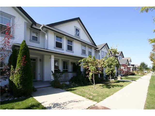 "Main Photo: 7035 180TH Street in Surrey: Cloverdale BC Townhouse for sale in ""Terraces at Provinceton"" (Cloverdale)  : MLS®# F1321637"