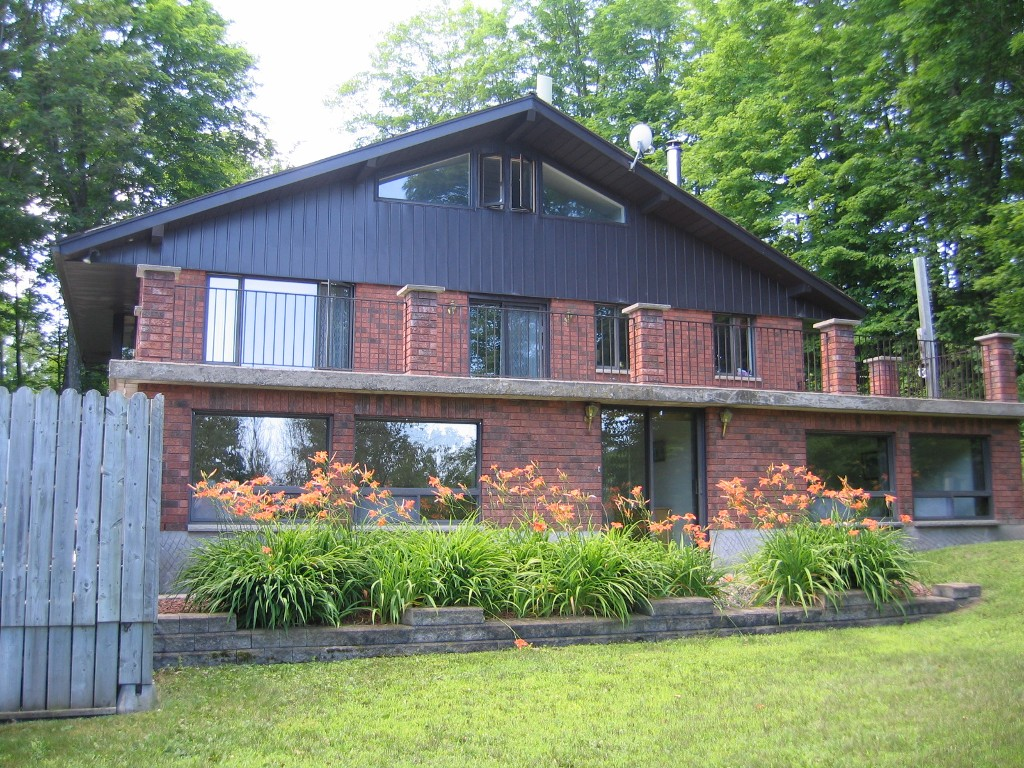 Main Photo: 156 Carbine rd in Pakenham: Mount Pakenham Residential Detached for sale : MLS® # 903377