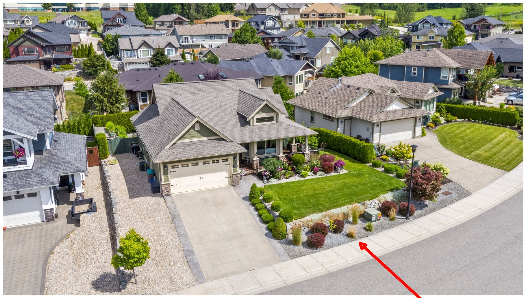 FEATURED LISTING: 1740 22 Street Northeast Salmon Arm