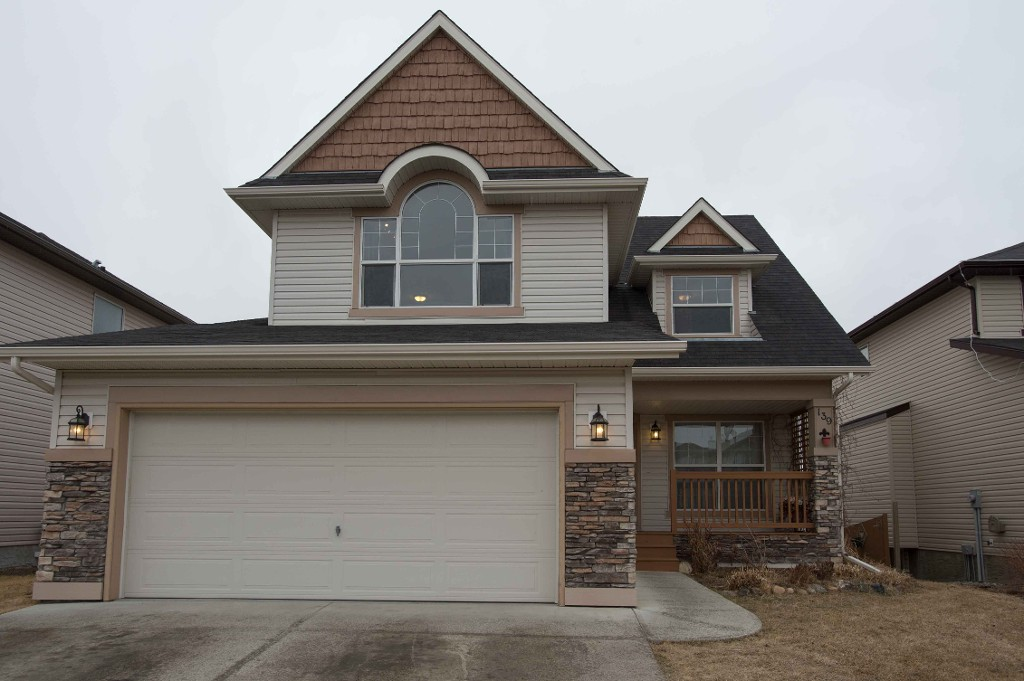 FEATURED LISTING: 139 Hawkmere View CHESTERMERE