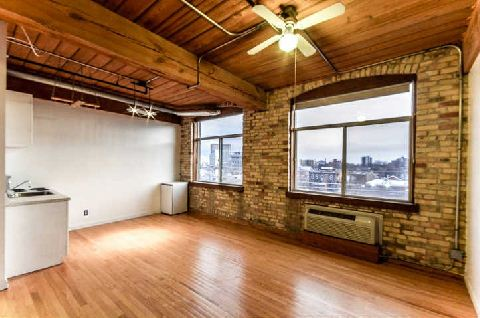 Photo 3: 24 Noble St Unit #411 in Toronto: Roncesvalles Condo for sale (Toronto W01)  : MLS® # W2810547