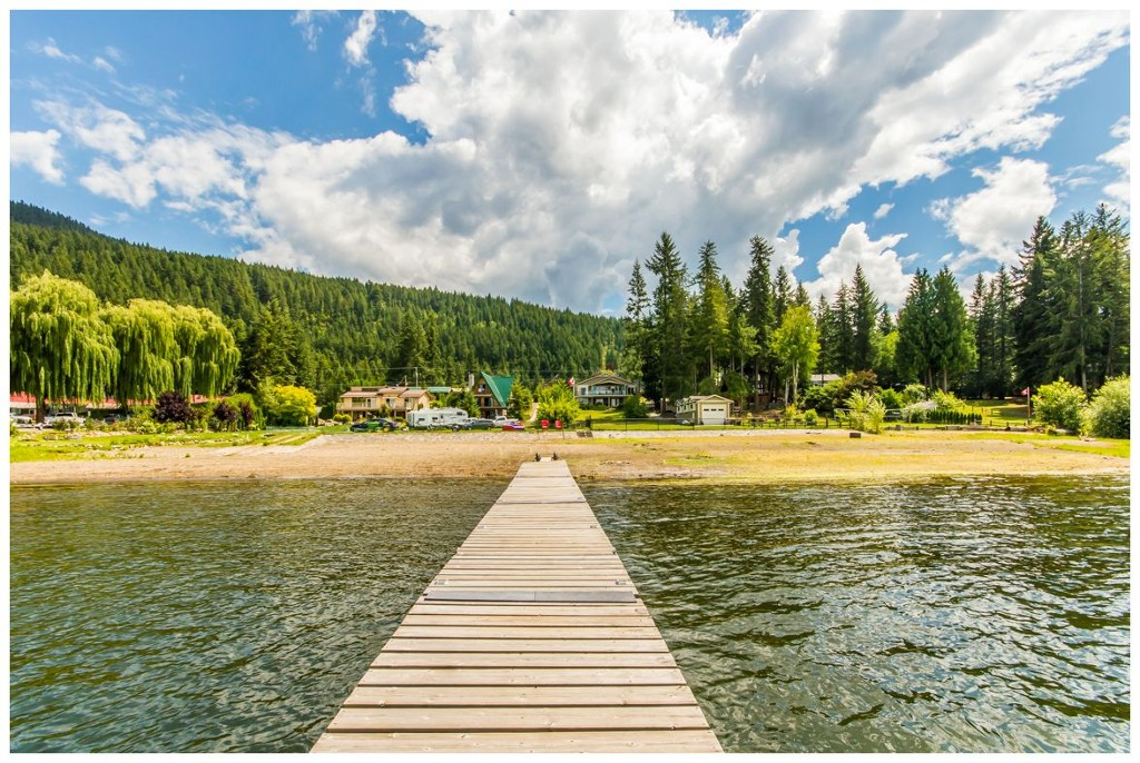 Main Photo: 1943 Eagle Bay Road: Blind Bay House for sale (Shuswap Lake)  : MLS® # 10121872