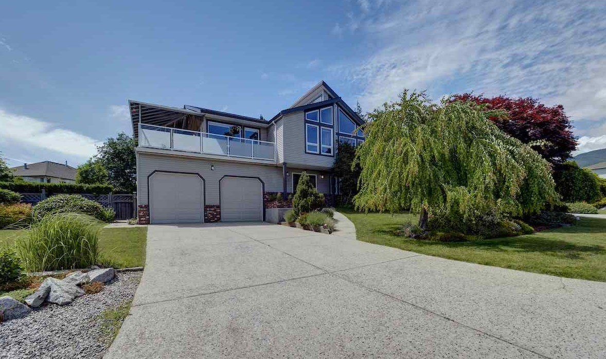 FEATURED LISTING: 503 EAGLECREST Drive Gibsons