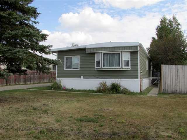 "Main Photo: 9003 76TH Street in Fort St. John: Fort St. John - City SE Manufactured Home for sale in ""SOUTH AENNOFIELD"" (Fort St. John (Zone 60))  : MLS® # N239444"
