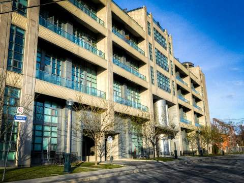 FEATURED LISTING: 606 380 Macpherson Avenue Toronto