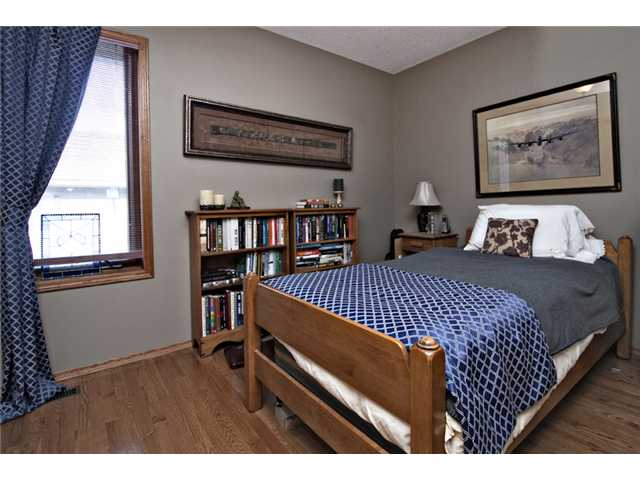 Photo 13: 35 HAWKVILLE Mews NW in CALGARY: Hawkwood Residential Detached Single Family for sale (Calgary)  : MLS® # C3556165