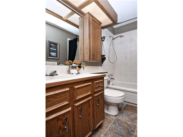 Photo 14: 35 HAWKVILLE Mews NW in CALGARY: Hawkwood Residential Detached Single Family for sale (Calgary)  : MLS® # C3556165