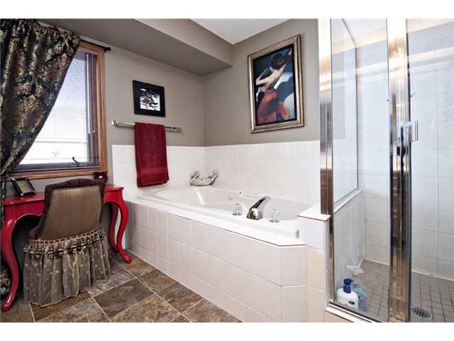 Photo 11: 35 HAWKVILLE Mews NW in CALGARY: Hawkwood Residential Detached Single Family for sale (Calgary)  : MLS® # C3556165