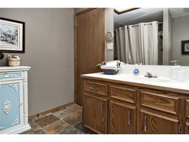 Photo 16: 35 HAWKVILLE Mews NW in CALGARY: Hawkwood Residential Detached Single Family for sale (Calgary)  : MLS® # C3556165