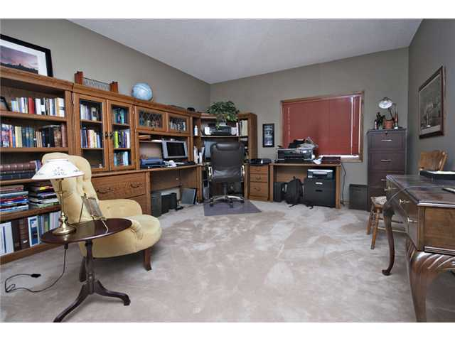Photo 15: 35 HAWKVILLE Mews NW in CALGARY: Hawkwood Residential Detached Single Family for sale (Calgary)  : MLS® # C3556165