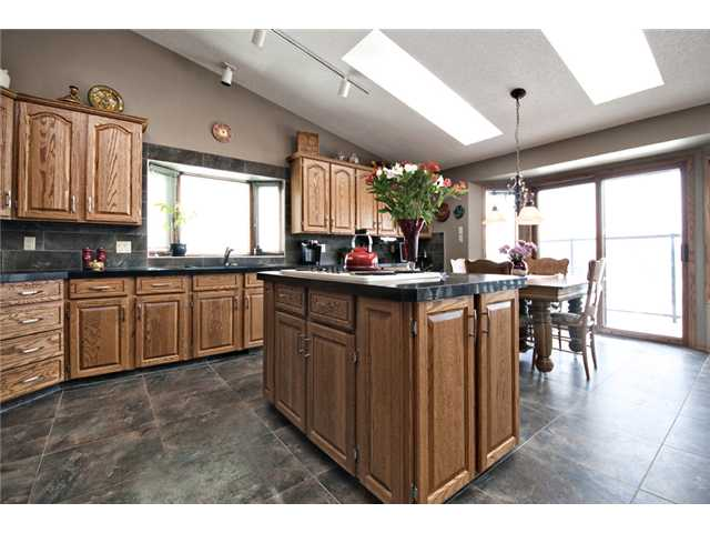 Photo 6: 35 HAWKVILLE Mews NW in CALGARY: Hawkwood Residential Detached Single Family for sale (Calgary)  : MLS® # C3556165