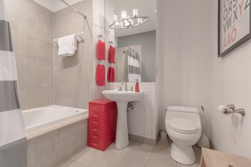 Photo 4: 180 Frederick St Unit #407 in Toronto: Moss Park Condo for sale (Toronto C08)  : MLS® # C3633474