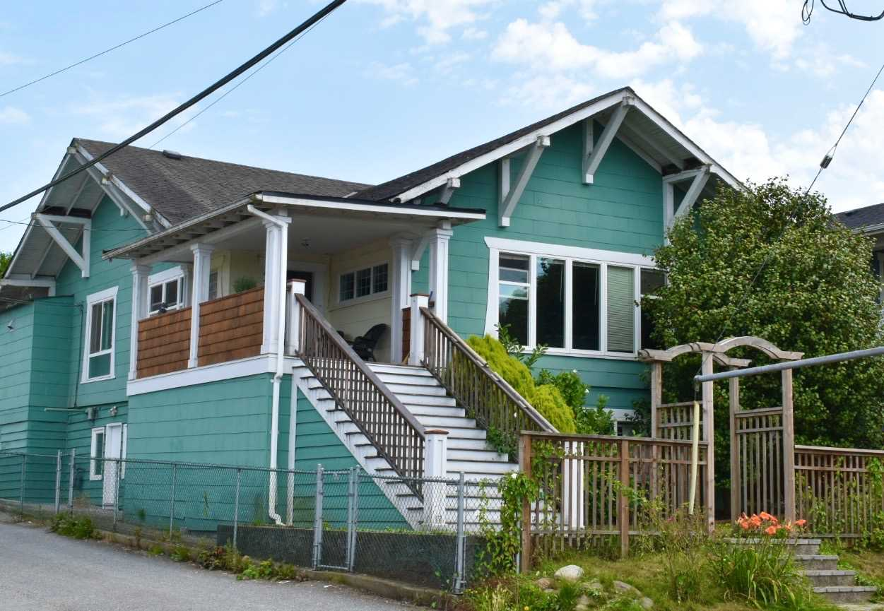 FEATURED LISTING: 430 LAKEWOOD Drive Vancouver