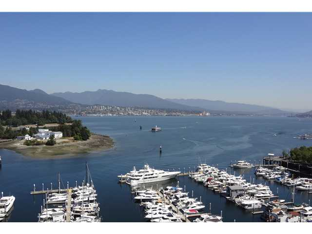 "Main Photo: 1903 535 NICOLA Street in Vancouver: Coal Harbour Condo for sale in ""BAUHINIA"" (Vancouver West)  : MLS® # V1022675"