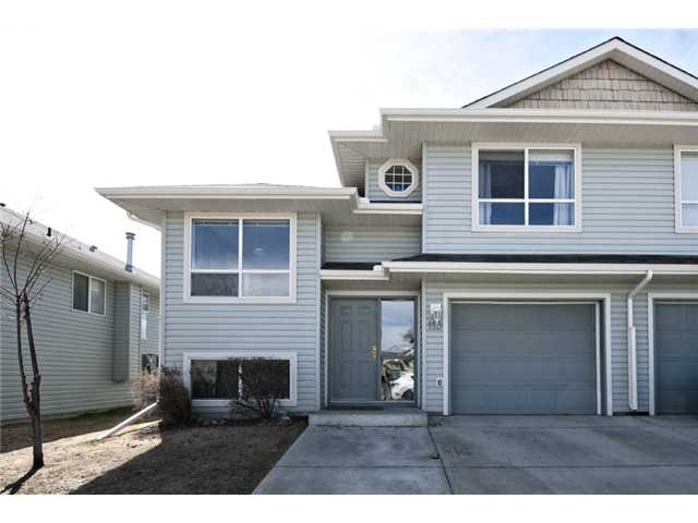Main Photo: 113 55 FAIRWAYS Drive NW: Airdrie Townhouse for sale : MLS®# C3565868